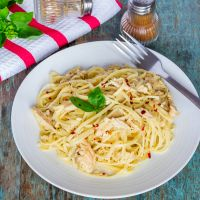 Linguine with Creamy Chicken Carbonara