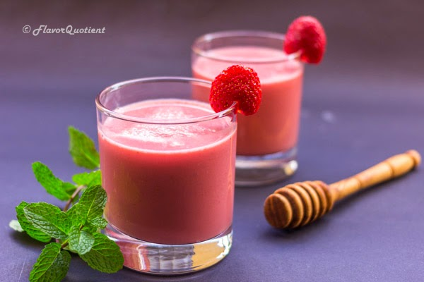 Strawberry Smoothie | Flavor Quotient | Smoothies are kids' delight; but trust me you don't have to be a kid to enjoy this creamy and delicious and oh-so-good strawberry smoothie!