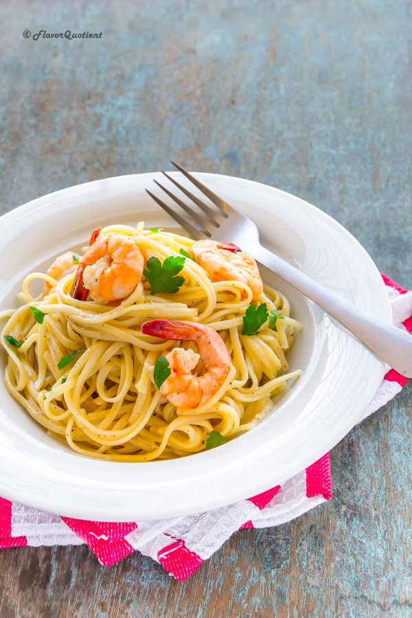Linguine with shrimps | Flavor Quotient | This creamy creamy linguine with shrimps in lemon-wine sauce will make you a crazy pasta addict! Enjoy creamy shrimp linguine pasta with your favorite wine!