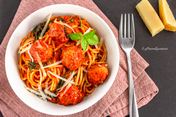 Spaghetti and Meatballs | Flavor Quotient | The iconic spaghetti and meatballs – what could have been better to wrap up this amazing year 2018! Baked chicken meatballs with spaghetti marinara; all good things compiled in a single dish!