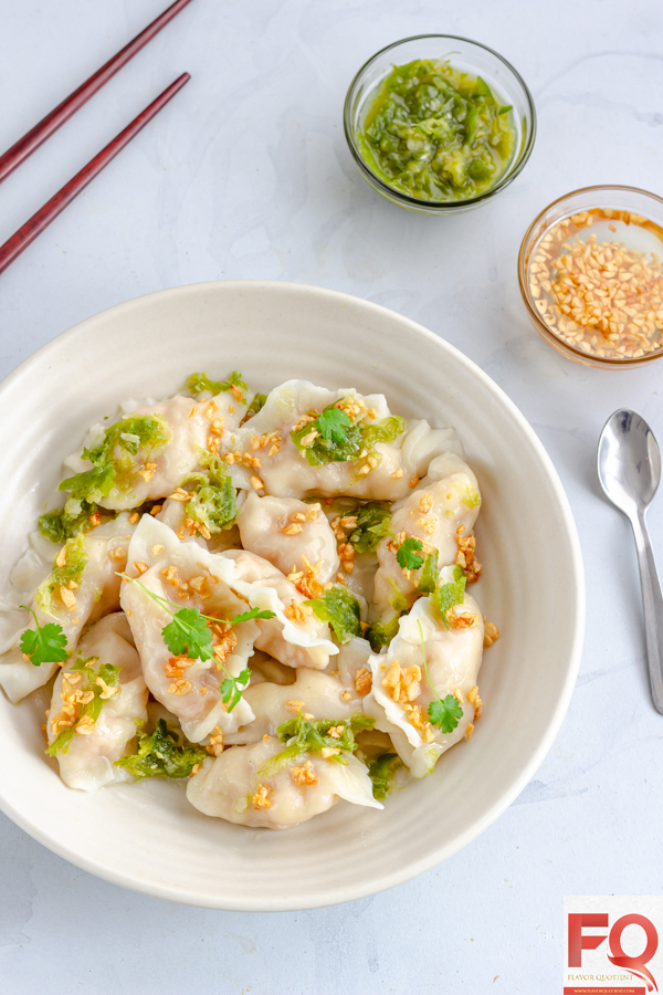 Once you start making these restaurant style Thai prawn dumplings, you will never think twice to give your Asian takeaways a miss! These Thai prawn dumplings turned out to be even more addictive with the popular Thai Nam Jim sauce and garlic oil!| Thai shrimp dumpling | shrimp dumplings recipe | shrimp dumplings recipe easy | shrimp dumplings recipe dim sum | shrimp dumplings steamed | shrimp dumplings filling | Chinese shrimp dumplings | how to make shrimp dumplings | homemade shrimp dumplings